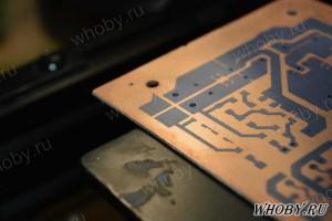 Печатная плата с проявленным фоторезистом