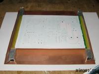 Нанесенный слой маски для маркировки печатной платы