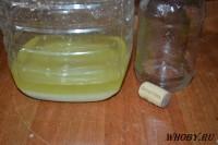 В процессе реакции электролита и соли получаем соляную кислоту