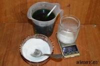 Добавляем соль в медно-хлоридный раствор травления